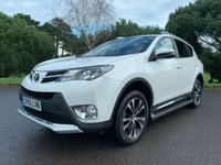 USED 2015 15 TOYOTA RAV4 2.0 VVT-I INVINCIBLE 5d AUTO 151 BHP LOOKS STUNNING IN WHITE WITH BLACK LEATHER AUTOMATIC SAT NAV REV CAMERAS