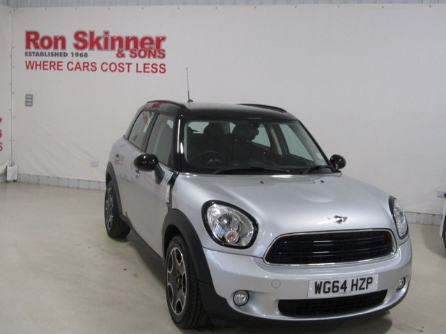 View our 2014 64 MINI COUNTRYMAN 1.6 COOPER D BUSINESS 5d 110 BHP with CHILI Pack + Nav + Black Alloys