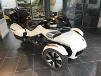 USED 2017 17 CAN-AM SPYDER 1.3 SPYDER F3T 133115 CC ACE TOURER THIS IS AN OUTSTANDING LOOKING SPYDER F3 TOURER WITH THE REAR CARGO AND SPEAKERS FITTED AND IS A CREDIT TO ITS FORMER KEEPER.COVERED BY THE BALANCE OF THE MANUFACTURERS WARRANTY UNTIL THE 28/04/2020 THIS REPRESENTS A GREAT SAVING ON THE COST OF A NEW BIKE.