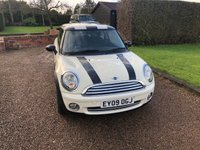 USED 2009 09 MINI HATCH COOPER 1.6 COOPER 3d 118 BHP 1 Former Keeper well looked after car. Chequered  roof