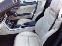 USED 2011 61 MERCEDES-BENZ SLK 1.8 SLK200 BLUEEFFICIENCY AMG SPORT ED125 2d AUTO 184 BHP AIR SCARF, HEATED SEATS, SAT NAV