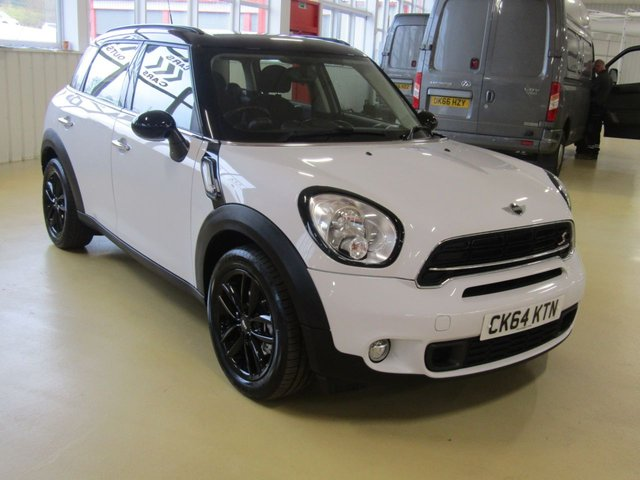 View our 2014 64 MINI COUNTRYMAN (74)      2.0 COOPER SD 5d 141 BHP
