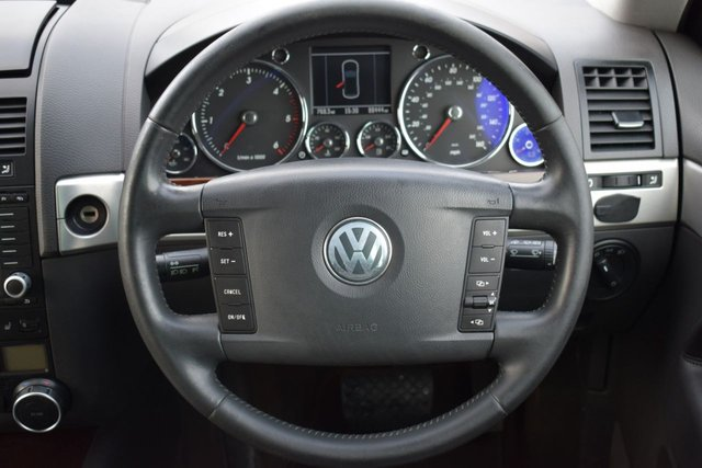 USED 2006 06 VOLKSWAGEN TOUAREG 3.0 V6 TDI SPORT 5d AUTO 221 BHP