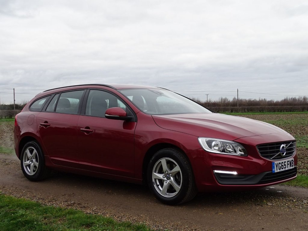 USED 2015 65 VOLVO V60 2.0 T3 BUSINESS EDITION 5d 150 BHP