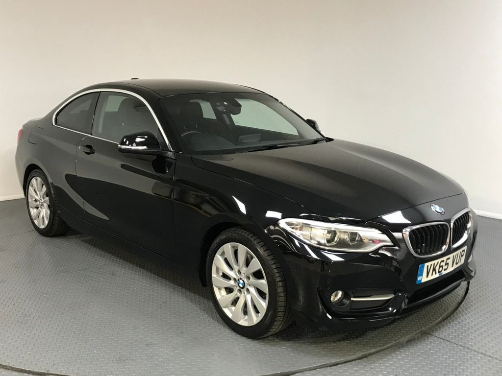 USED 2015 65 BMW 2 SERIES 2.0 220D SPORT 2d AUTO 188 BHP SERVICE HISTORY - 1 OWNER - SAT NAV - REAR CAMERA - AIR CON - PARKING SENSORS - BLUETOOTH - DAB