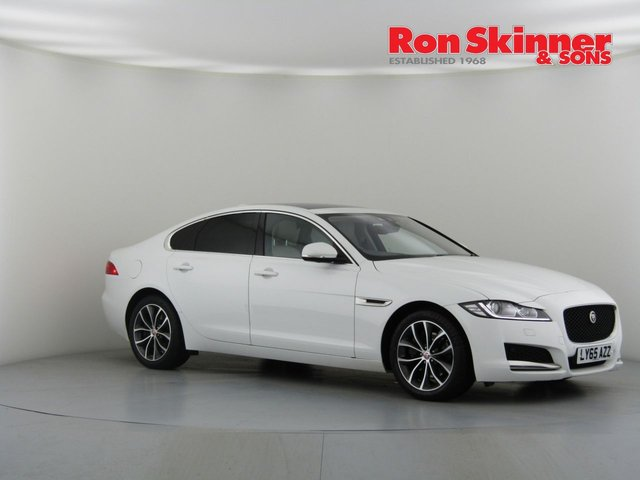 View our 2015 65 JAGUAR XF 2.0 PORTFOLIO 4d AUTO 177 BHP