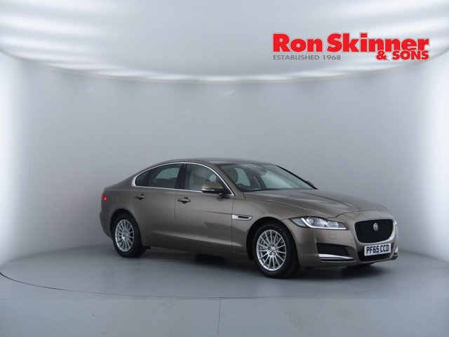 View our 2016 65 JAGUAR XF 2.0 PRESTIGE 4d AUTO 161 BHP