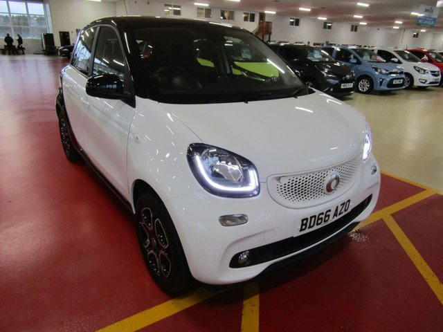 View our 2016 66 SMART FORFOUR 1.0 PRIME PREMIUM PLUS 5d AUTO 71 BHP