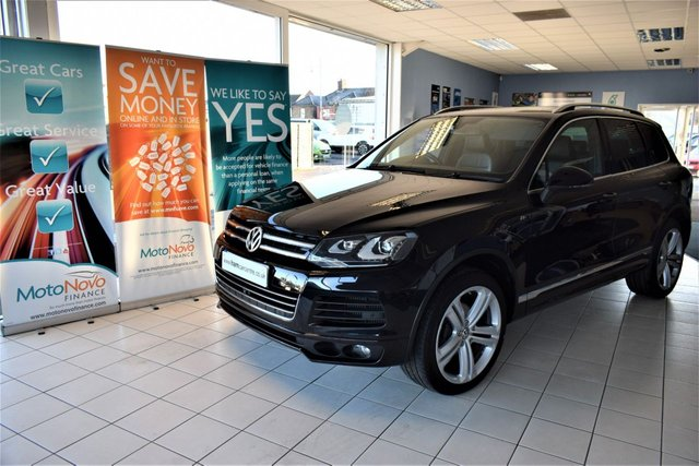 2014 14 VOLKSWAGEN TOUAREG 3.0 V6 R-LINE TDI BLUEMOTION TECHNOLOGY STOP/START 5d AUTO 242 BHP MASSIVE-SPEC