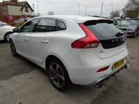 USED 2016 16 VOLVO V40 2.0 T2 R-DESIGN 5d 120 BHP