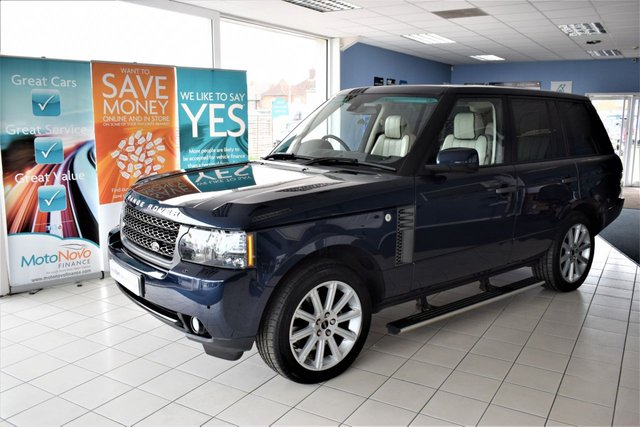 2011 L LAND ROVER RANGE ROVER 4.4 TDV8 VOGUE 5d AUTO 313 BHP COMMAND OVER £5000 FACTORY EXTRAS
