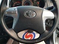 USED 2014 64 TOYOTA HI-LUX 3.0 INVINCIBLE 4X4 D-4D DCB 1d AUTO 169 BHP