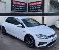 """USED 2017 67 VOLKSWAGEN GOLF R-LINE 2.0 TDI BLUEMOTION TECHNOLOGY 3DR 150 BHP 8"""" TOUCH SCREEN HEAD UNIT WITH SAT NAV / APPLE CAR PLAY"""