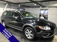USED 2009 09 VOLVO XC70 2.4 D5 SE AWD 5d AUTO 183 BHP Electric sunroof  :  Full leather upholstery       :       Heated front seats       :       Electric/Memory driver's seat    :  Hydraulic retractable dog guard   :  Rear parking sensors   :  Comprehensive service history