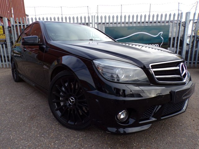 2010 10 MERCEDES-BENZ C-CLASS 6.2 C63 AMG 4d AUTO 550 BHP SAT NAV SUNROOF CREAM LEATHER RARE