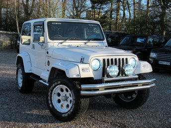 2000 JEEP WRANGLER 4.0 SAHARA Hard Top 4x4 Automatic 3dr £9950.00