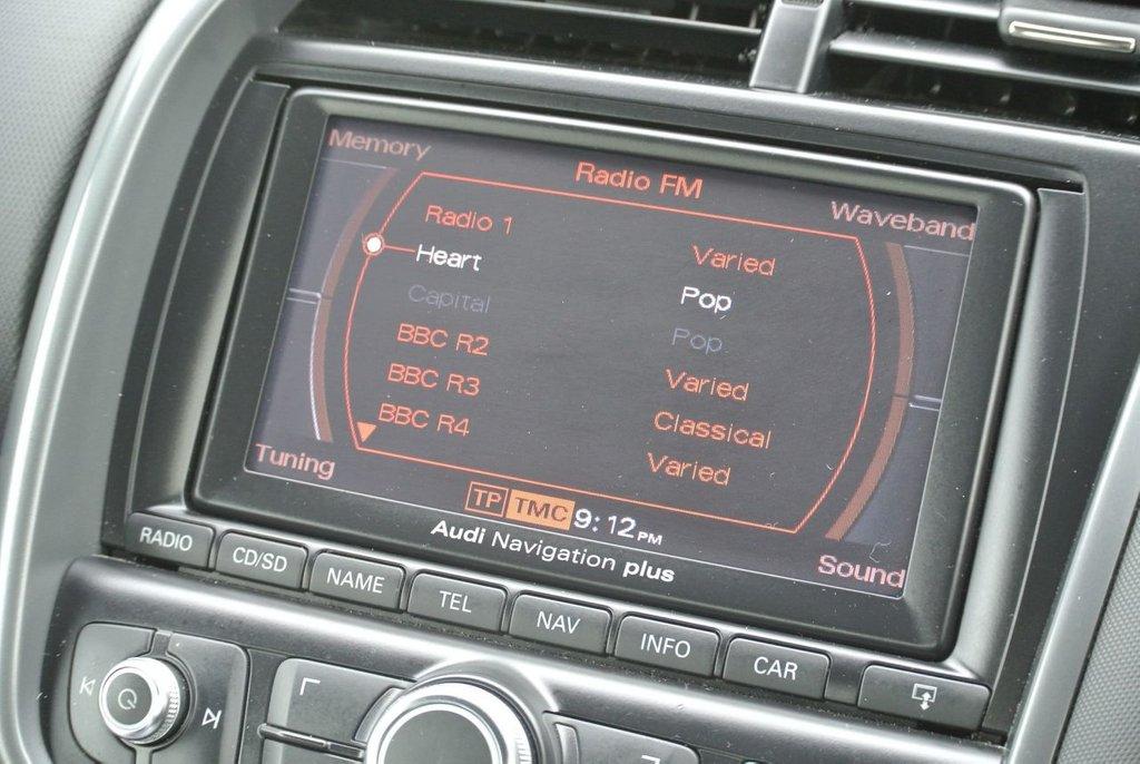 USED 2008 08 AUDI R8 4.2 QUATTRO 2d 420 BHP