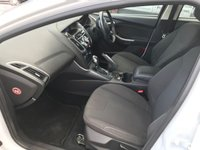USED 2011 61 FORD FOCUS 1.6 TITANIUM 5d AUTO 124 BHP