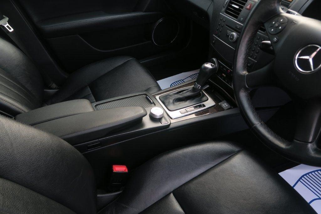 USED 2010 10 MERCEDES-BENZ C CLASS 2.1 C220 CDI BLUEEFFICIENCY ELEGANCE 4d AUTO 170 BHP