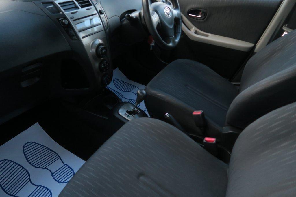 USED 2009 09 TOYOTA YARIS 1.3 TR VVT-I MM 5d AUTO 99 BHP