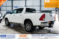 USED 2017 17 TOYOTA HI-LUX 2.4 INVINCIBLE 4WD D-4D DCB 1d AUTO 148 BHP * 3.5 ton TOWING CAPACITY *