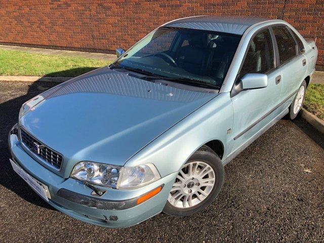 2004 04 VOLVO S40 1.9 S D 4d 115 BHP