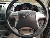 USED 2011 61 TOYOTA HI-LUX 3.0 INVINCIBLE 4X4 D-4D DCB 1d AUTO 169 BHP
