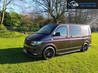 "USED 2017 VOLKSWAGEN TRANSPORTER 2.0 T28 TDI HIGHLINE KOMBI CREW VAN DCB BMT 5d 150 BHP  MANUFACTURERS WARRANTY NATIONWIDE DELIVERY AIR CON CRUISE SPORTLINE STYLING PACK 20"" ALLOYS"