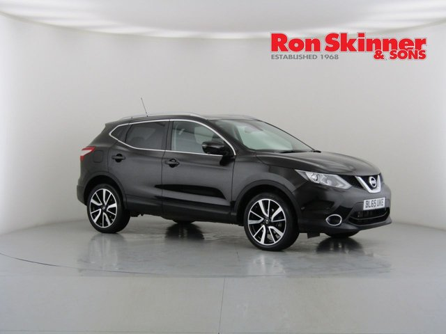 View our 2015 65 NISSAN QASHQAI 1.2 TEKNA DIG-T XTRONIC 5d AUTO 113 BHP