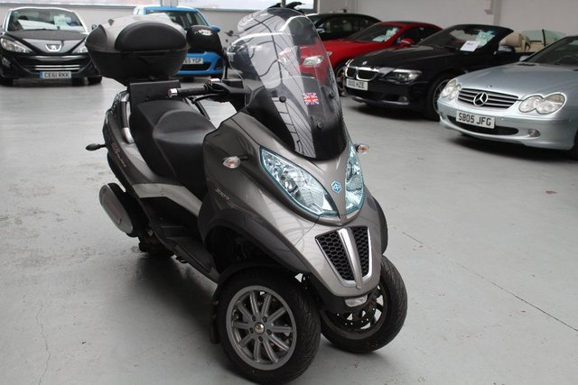 View our PIAGGIO MP3