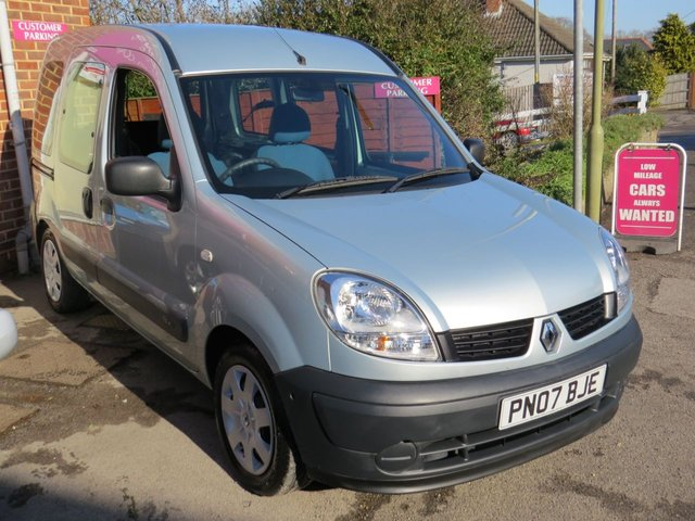 USED 2007 07 RENAULT KANGOO 1.6 AUTHENTIQUE 16V 5d AUTO 94 BHP AUTOMATIC LOW MILEAGE, WAV RAMP SCOOTER/WHEELCHAIR DELIVERY POSSIBLE