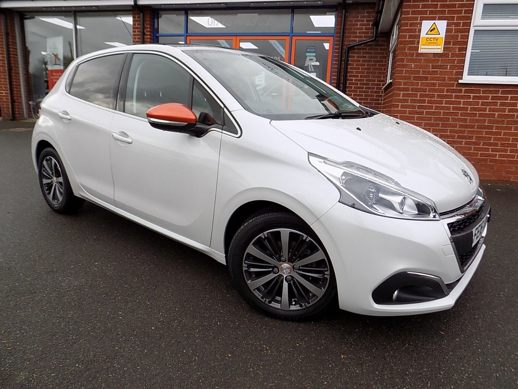 USED 2016 16 PEUGEOT 208 1.6 BLUE HDi ROLAND GARROS 5dr * Pan Roof *