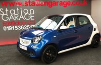 USED 2015 65 SMART FORFOUR 0.9 PROXY PREMIUM T 5d 90 BHP STUNNING FULL SERVICE HISTORY SMART FOR FOUR LARGER 90 BHP MODEL,   WITH TOUCH NAV AND MEDIA FULL MOT, TWO NEW TYRES & SERVICE JUST DONE PAN ROOF AND VERY NICE MATCHING WHITE AND BLUE INTERIOR ALSO FREEEEEEEE ROAD TAX