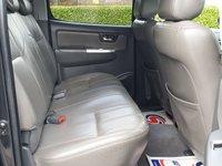 USED 2013 13 TOYOTA HI-LUX 3.0 INVINCIBLE 4X4 D-4D DCB 1d AUTO 169 BHP