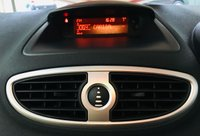 USED 2009 09 RENAULT CLIO 1.1 DYNAMIQUE 16V 5 DOOR ESTATE with low mileage