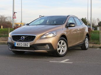 2013 VOLVO V40 1.6 D2 CROSS COUNTRY SE 5d 113 BHP £6999.00