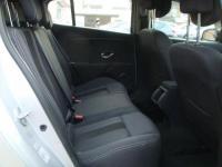 USED 2011 11 RENAULT MEGANE 1.6 DYNAMIQUE TOMTOM VVT 5d 110 BHP SAT-NAV+BLUETOOTH+CRUISE
