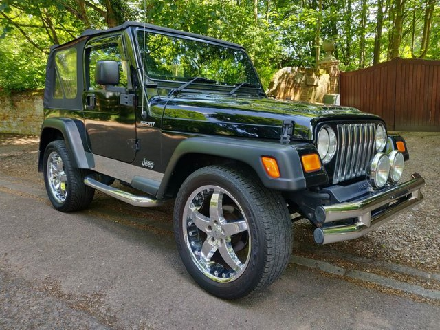 View our JEEP WRANGLER 4.0 SPORT
