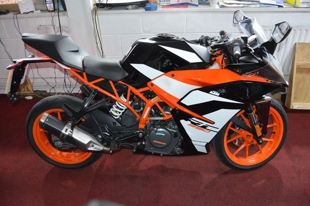 View our KTM RC 390 17