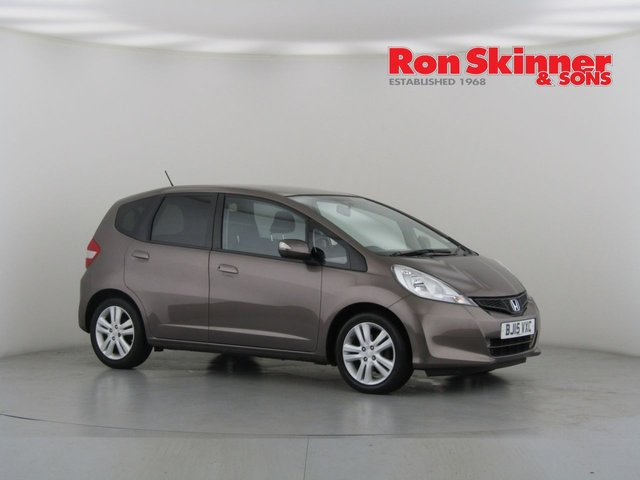 View our 2015 15 HONDA JAZZ 1.3 I-VTEC ES PLUS 5d AUTO 99 BHP