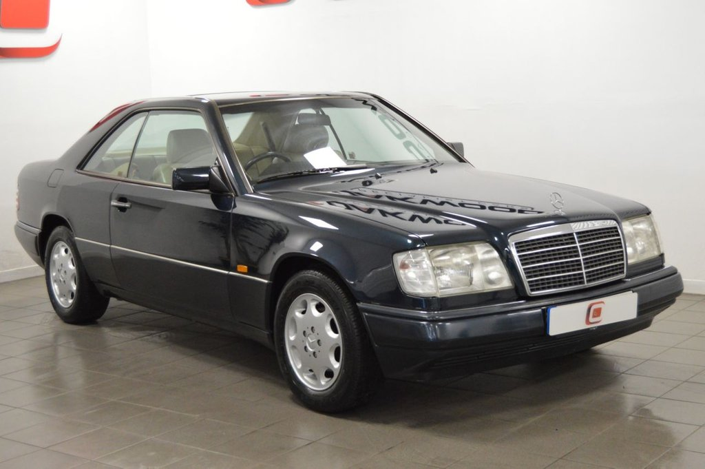USED 1995 N MERCEDES-BENZ E-CLASS 2.2 E220 2d AUTO 'PILLARLESS' COUPE 150 BHP ONLY 69K + MASSIVE HISTORY FILE + STUNNING PILLARLESS CLASSIC