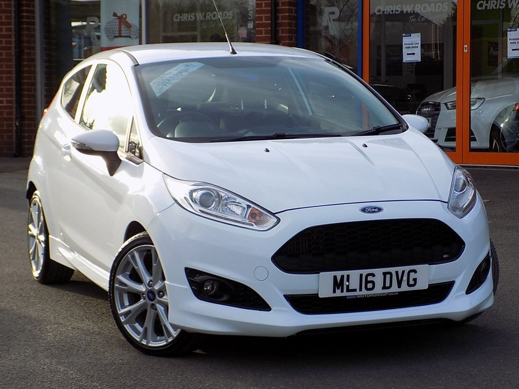 USED 2016 16 FORD FIESTA 1.0 Ecoboost Zetec S 3dr  ** Bluetooth + Rear Privacy **