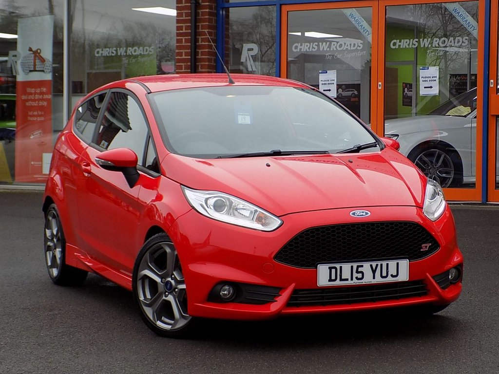 USED 2015 15 FORD FIESTA 1.6 Ecoboost ST-2 3dr **Style Pack + Half Leather**