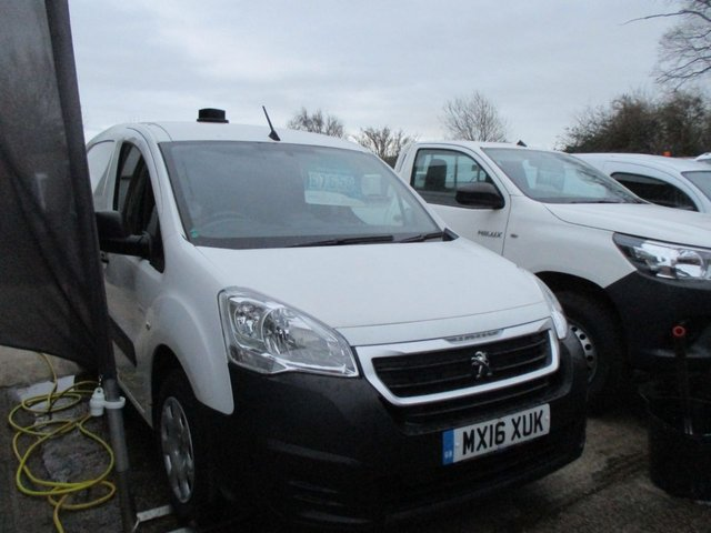 2016 16 PEUGEOT PARTNER 1.6 TURBO DIESEL VAN HDI PRO 3 SEATER 850 SWB 92 BHP  MANUAL WHITE