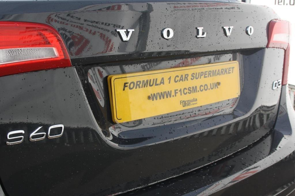 2014 Volvo S60 2 0 D3 SE Lux Geartronic 4dr £8,990