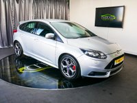 USED 2013 63 FORD FOCUS 2.0 ST-3 5d 247 BHP £0 DEPOSIT FINANCE AVAILABLE, AIR CONDITIONING, AUX INPUT, BLUETOOTH CONNECTIVITY, CLIMATE CONTROL, DAB RADIO, DAYTIME RUNNING LIGHTS, FORD SYNC WITH VOICE CONTROL, HEATED SEATS, PARKING SENSORS, RECARO SPORTS SEATS, STEERING WHEEL CONTROLS, TRIP COMPUTER
