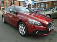 USED 2016 65 VOLVO V40 2.0 D2 CROSS COUNTRY LUX NAV 5d AUTO 118 BHP 1 OWNER, SAT NAV, HEATED SEATS