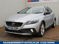 USED 2015 65 VOLVO V40 2.0 D2 CROSS COUNTRY LUX 5d 118 BHP 1 FORMER KEEPER