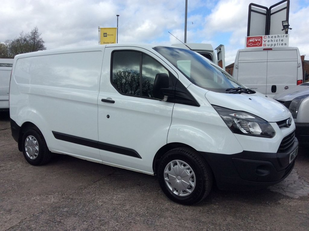USED 2014 63 FORD TRANSIT CUSTOM SWB 2.2 310 LR 99 BHP 1 OWNER FSH NEW MOT AIR CON SAT NAV FREE 6 MONTHS AA WARRANTY INCLUDING RECOVERY AND ASSIST NEW MOT AIR CONDITIONING SATELLITE NAVIGATION EURO 5 SPARE KEY ELECTRIC WINDOWS BLUETOOTH PARKING SENSORS RACKING FOG LIGHTS 6 SPEED