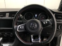USED 2015 15 VOLKSWAGEN GOLF 2.0 GTI PERFORMANCE DSG 5d AUTO 226 BHP